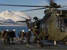 45 Cdo RM, helo drill, RFA Mounts Bay, Norway