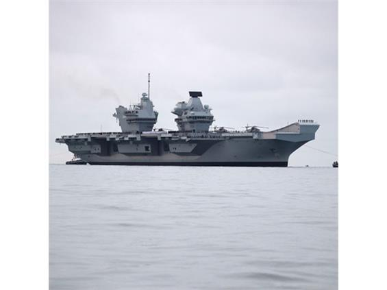 HMS Queen Elizabeth debut in Portsmouth with first entry to her home port