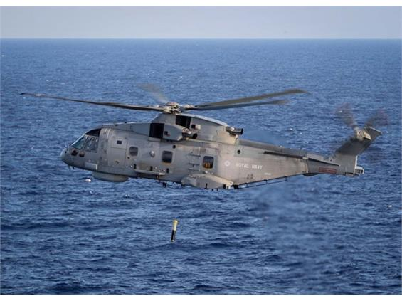 Sub-hunting Merlin to develop tactics with American Navy