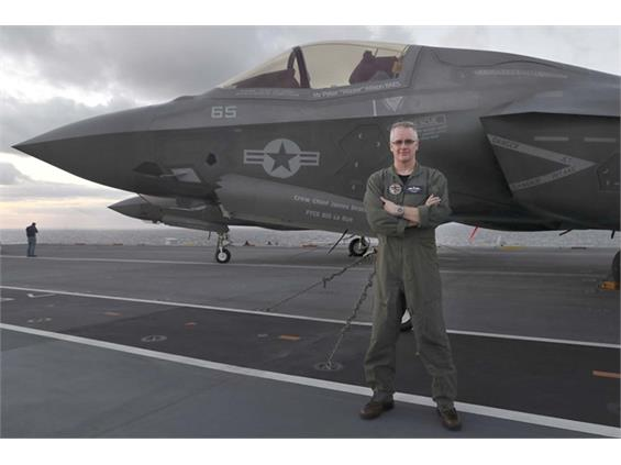 F-35 pilot makes history with revolutionary method of landing jets