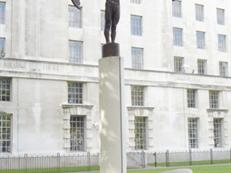 FAA Memorial, Embankment
